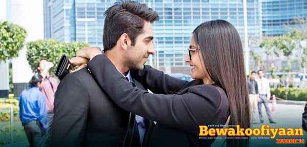 Bewakoofiyaan Sonam Kapoor Hug To Ayushmann Khurrana Stills
