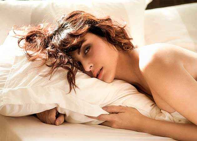 Bhaag Johnny Mandana Karimi Hot Pictures Stills
