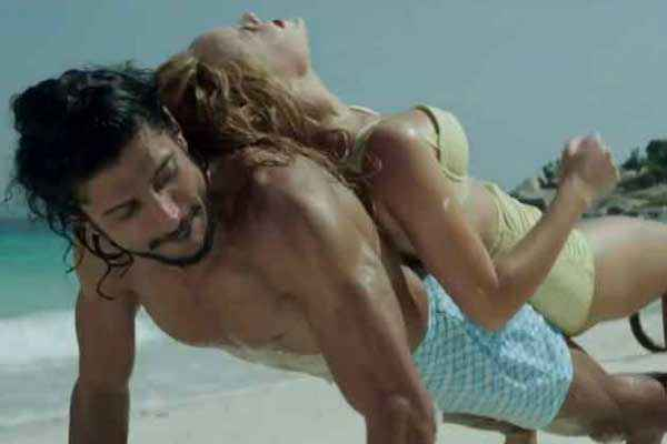 Bhaag Milkha Bhaag Beach Hot Scene Stills