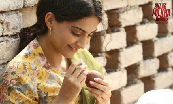 Bhaag Milkha Bhaag Sonam Kapoor Hot Photo Stills