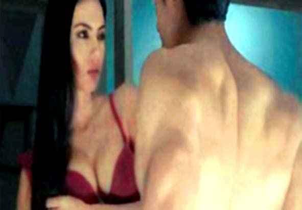 Blood Money Kunal Khemu and Amrita Puri Hot Scene Stills