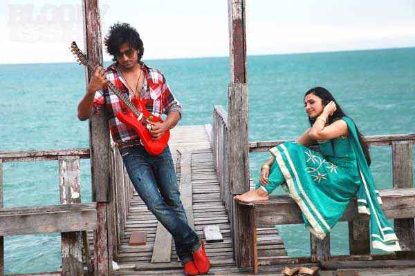 Bloody Isshq Akash Shilpa Anand Romanitic Pics Stills