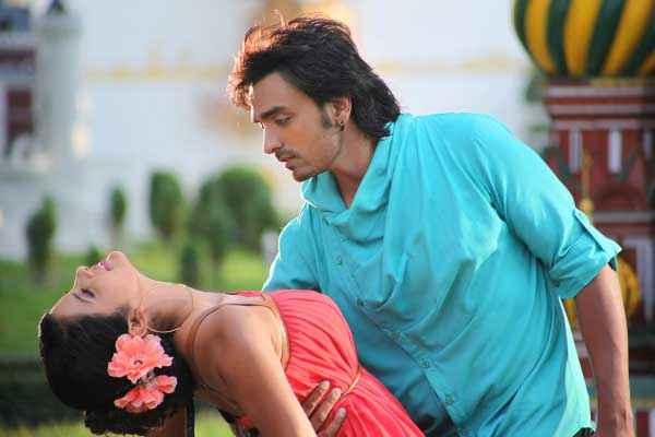 Bloody Isshq Akash Tripta Parashar Romantic Pics Stills