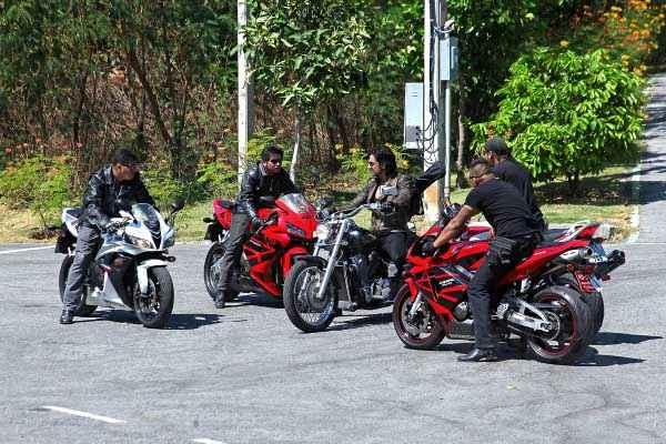 Bloody Isshq Akash with Bike Stills