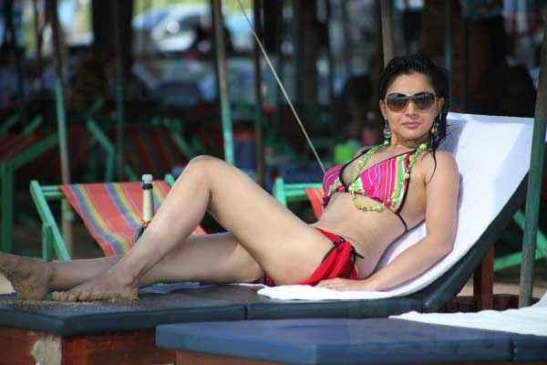 Bloody Isshq Tripta Parashar Hot Pics Stills