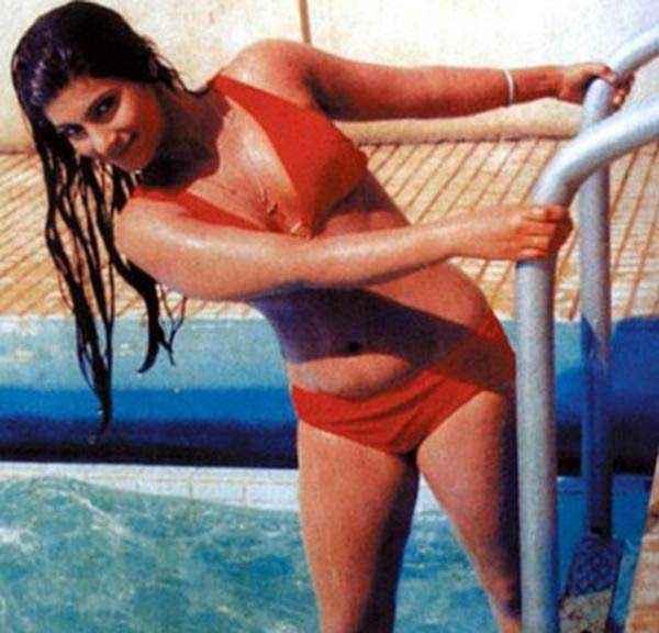 Bobby Dimple Kapadia Red Bikini In Swimming Pool Stills