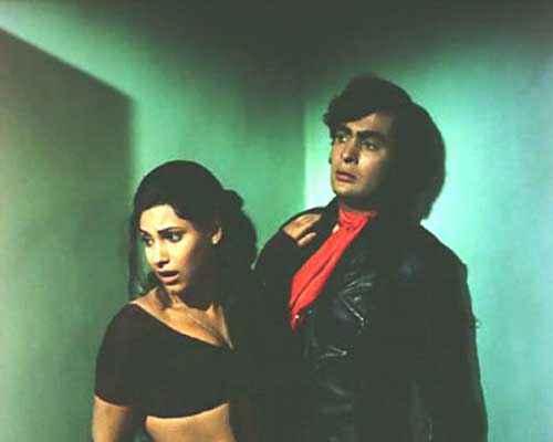 Bobby Rishi Kapoor Dimple Kapadia Hot Scene Stills