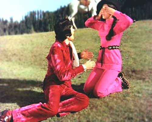 Bobby Rishi Kapoor Dimple Kapadia in Pink Dress Stills