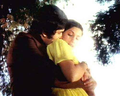Bobby Rishi Kapoor Dimple Kapadia Sexy Scene Stills