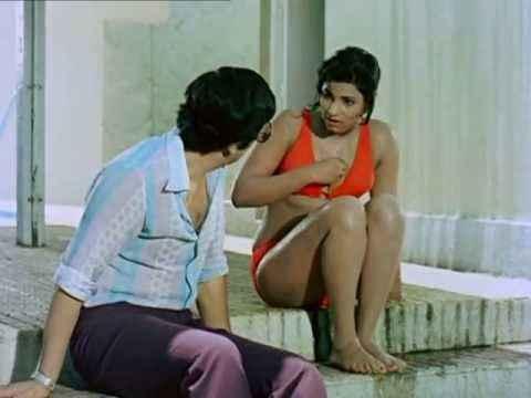 Bobby Rishi Kapoor With Dimple Kapadia in Bikini Stills