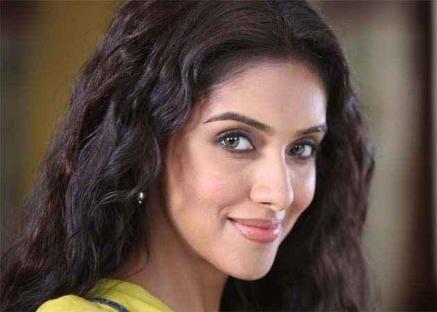 Bol Bachchan Star Cast Asin