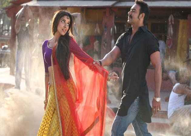 Bol Bachchan Ajay Devgan Asin Romance Stills