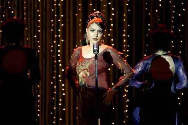 Bombay Velvet Anushka Sharma On Stage Stills