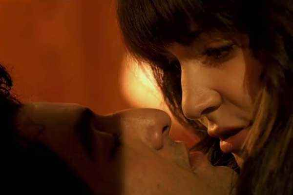 Bombay Velvet Ranbir Kapoor Anushka Sharma Kissing Pics Stills