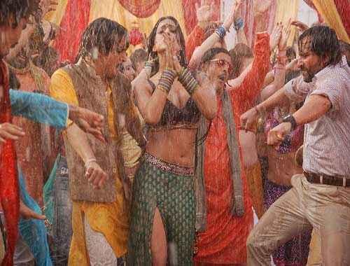 Bullett Raja Mahie Gill Boobs Cleavage And Navel Show Stills