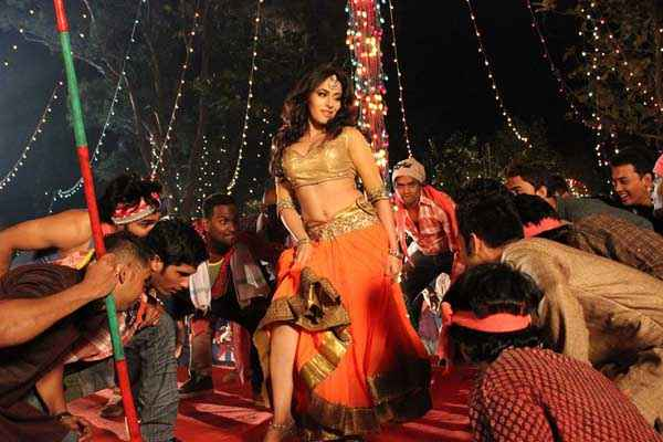 Chal Bhaag Keeya Khanna Item Song Stills
