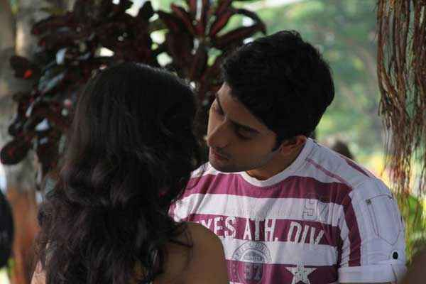 Chand Ke Pare Kiss Scene Stills