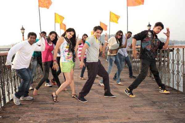 Chashme Baddoor 2013 Ali Zafar Wallpapers Stills