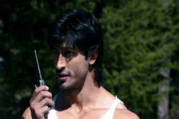 Commando 2013 Vidyut Jamwal Images Stills