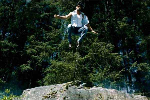 Commando 2013 Vidyut Jamwal in Forest Stills