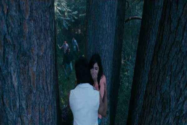 Commando 2013 Vidyut Jamwal with Trees Stills