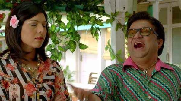 Crazy Cukkad Family Shilpa Shukla Swanand Kirkire Pics Stills