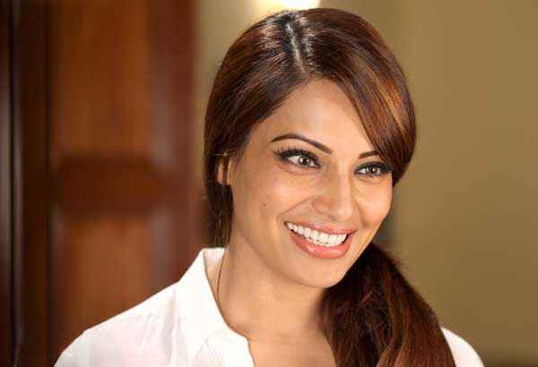 Creature Bipasha Basu Close Up Smile Stills