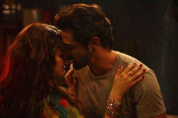 D Day Arjun Rampal Shruti Haasan Sexy Kiss Stills