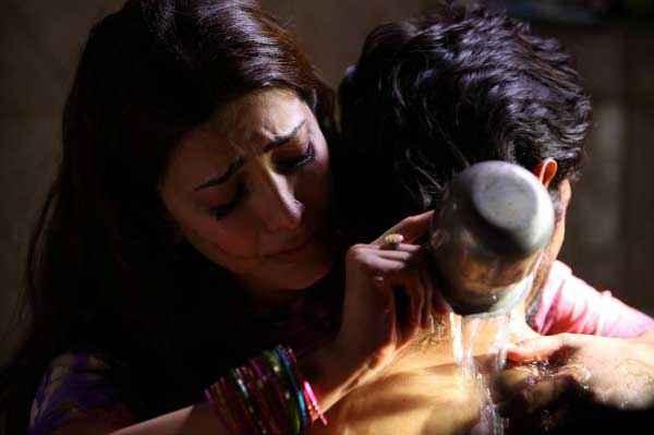 D Day Arjun Rampal Shruti Haasan Sexy Scene Stills