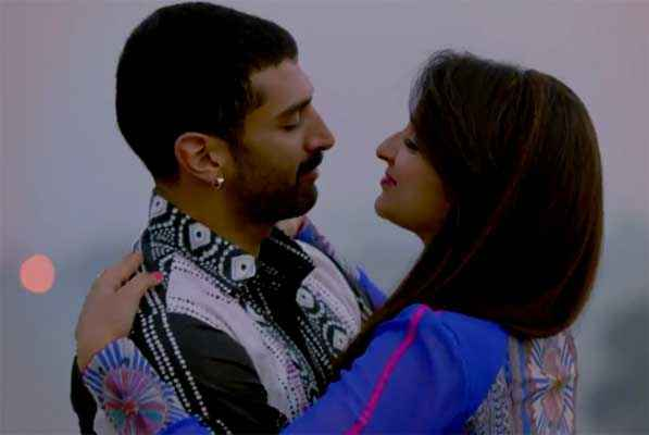 Daawat E Ishq Aditya Roy Kapur Parineeti Chopra Romantic Scene Stills