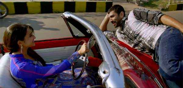 Daawat E Ishq Parineeti Chopra Driving Car Aditya Roy Kapur Stills