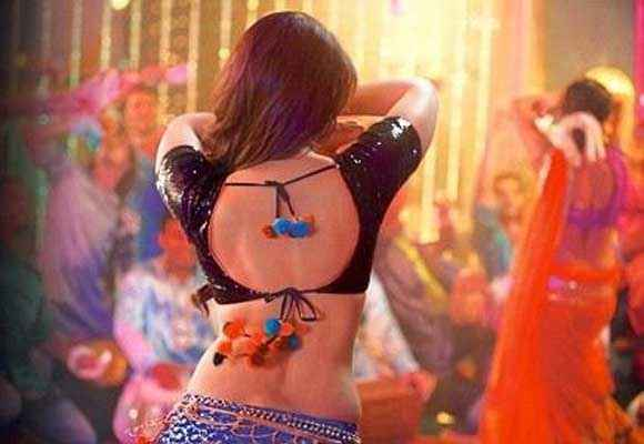 Dabangg 2 Kareena Kapoor Hot Pics Stills