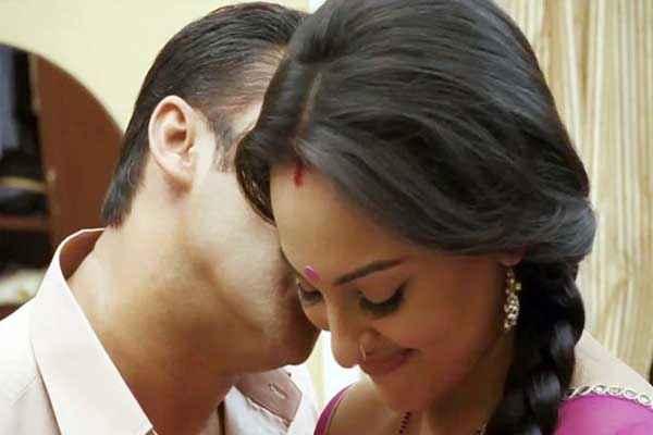 Dabangg 2 Salman Sonakshi Love Stills