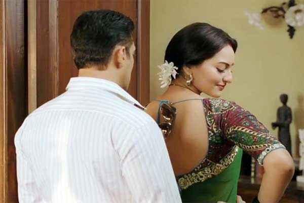 Dabangg 2 Salman Sonakshi Sinha In Hot Scene Stills