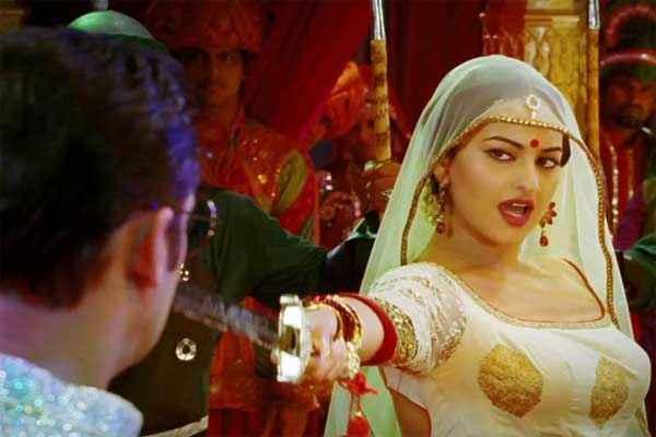 Dabangg 2 Sonakshi Sinha Dance Stills