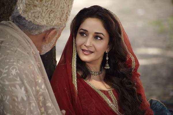 Dedh Ishqiya Madhuri Dixit Naseeruddin Shah Stills