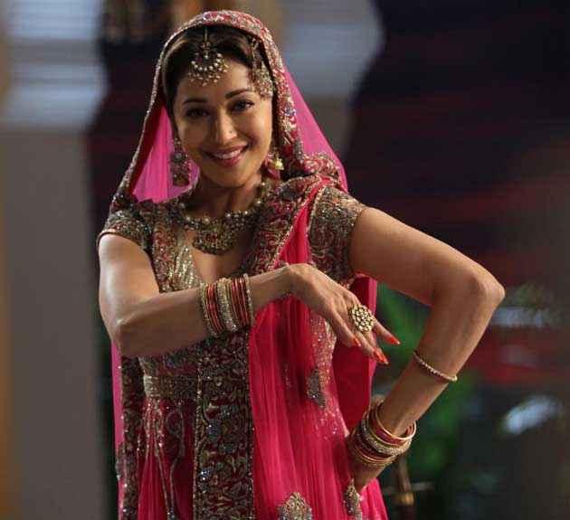 Dedh Ishqiya Madhuri Dixit Song Dance Stills