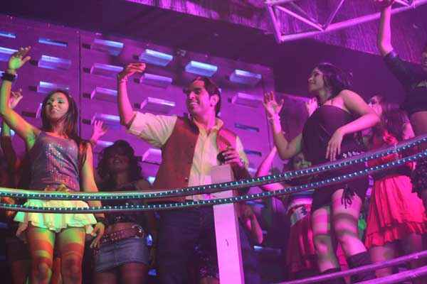 Dee Saturday Night Vishwajeet Pradhan With Girls Stills