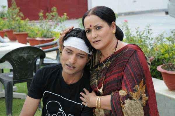 Dekha Jo Pehli Baar Himani Shivpuri Shahnawaz Khan Stills