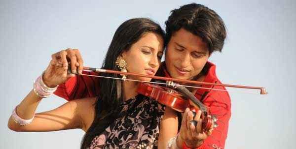 Dekha Jo Pehli Baar Shahnawaz Khan Kanika Kotnala Romantic Scene Stills