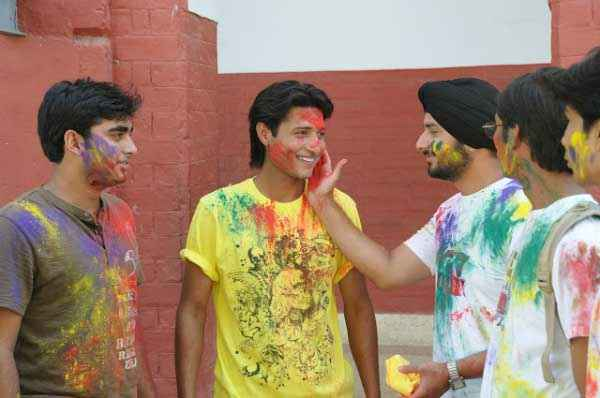 Dekha Jo Pehli Baar Shahnawaz Khan Playing Holi With Friends Stills