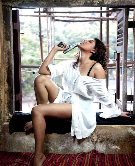 Department Madhu Shalini Hot Photo Stills