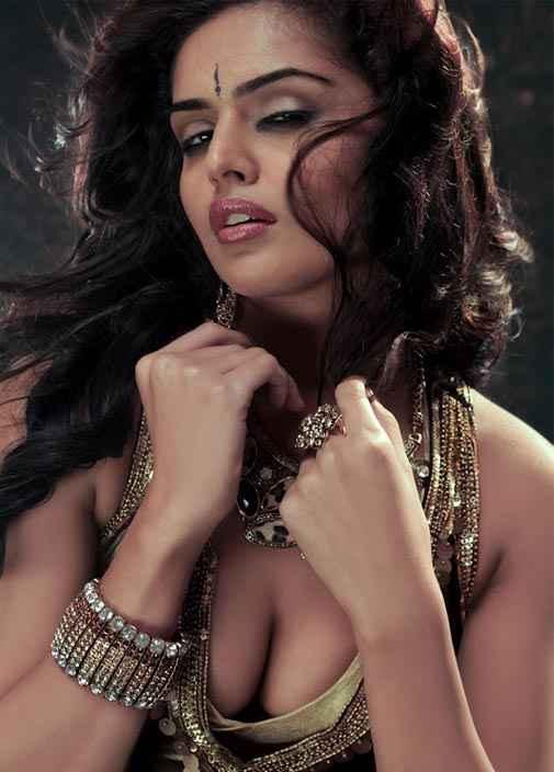 Department Nathalia Kaur Hot Photo Stills