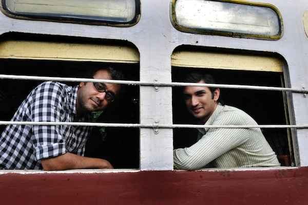 Detective Byomkesh Bakshi Sushant Singh Rajput Dibakar Banerjee In Train Stills