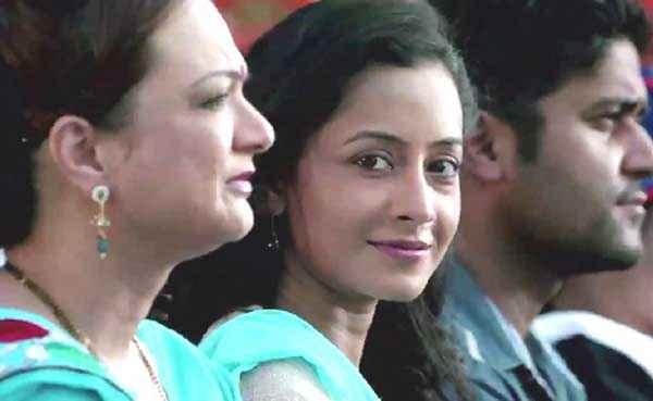 Dharam Sankat Mein Actress Stills