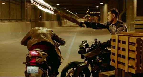 Dhoom 3 Aamir Khan Action On Bike Stills