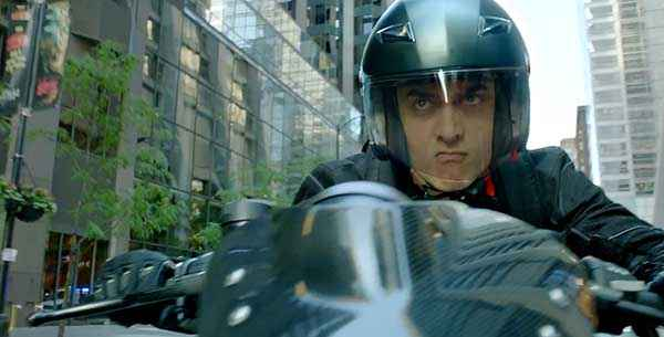 Dhoom 3 Aamir Khan Bike Stunt Stills