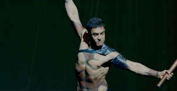 Dhoom 3 Aamir Khan Body Action Stills