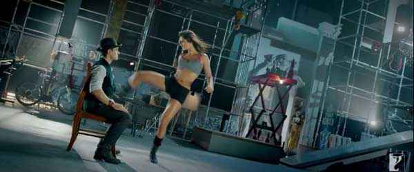 Dhoom 3 Aamir Khan Katrina Kaif Acting Stills