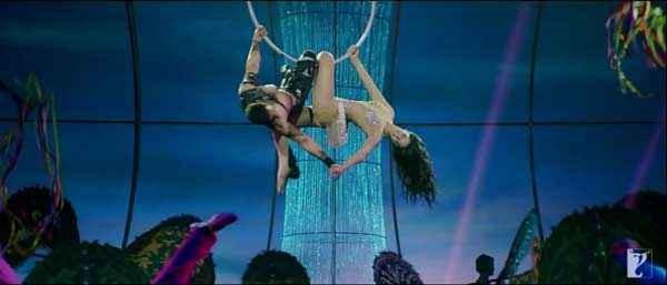 Dhoom 3 Aamir Khan Katrina Kaif Stunt Stills